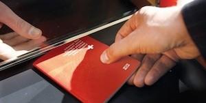 биометрическим швейцарским паспортом