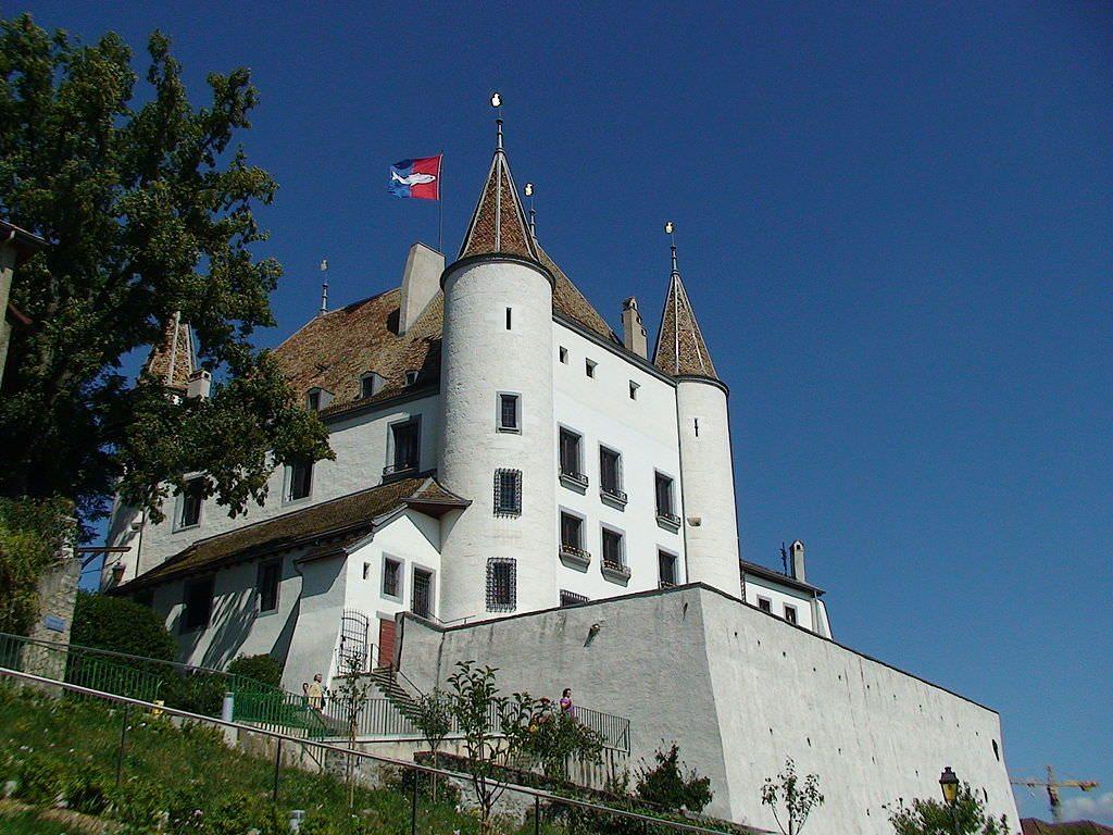 Замок Ньон
