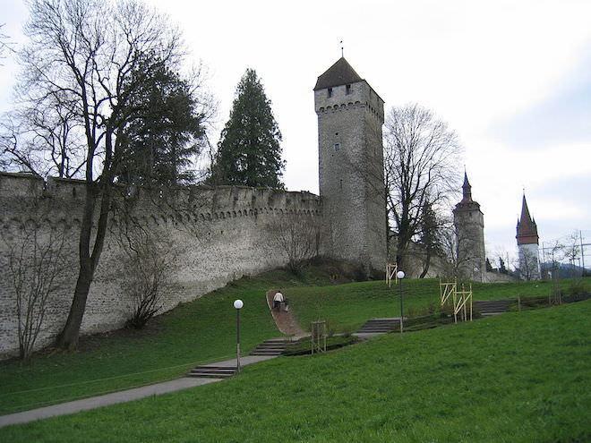 Стена Museggmauer