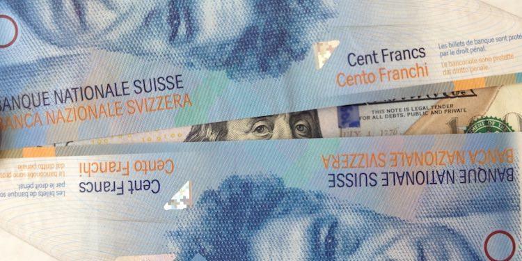 доллар США швейцарский франк