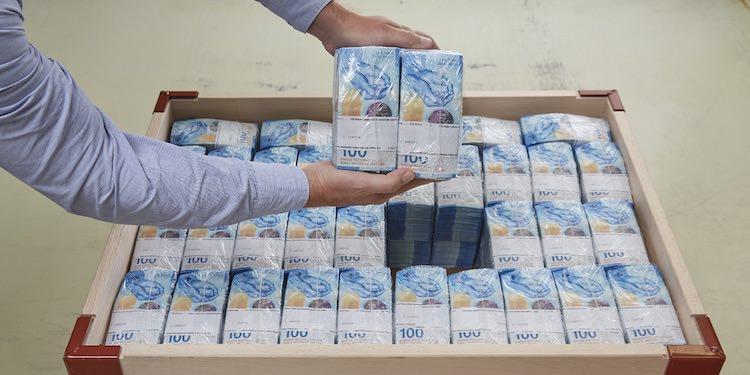 100 швейцарских франков